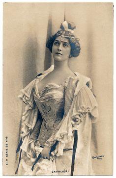 Lina Cavalieri. Reutlinger.