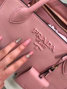 Listed in Best of Prada Handbags Designer Gunter Rost gunter_rost Taschen … Best Handbags, Prada Handbags, Handbags On Sale, Purses And Handbags, Cheap Handbags, Popular Handbags, Prada Bag, Prada Purses, Expensive Handbags