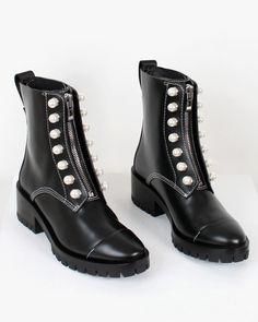 Brand Name Shoes, Rubber Rain Boots, Combat Boots, Fashion, Moda, Fashion Styles, Fashion Illustrations