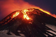 Reuters / Tuesday, March 03, 2015 Ash and lava spew from the Villarrica volcano, as seen from Pucon town in the south of Santiago, Chile, March 3, 2015. REUTERS/Lautaro Salinas