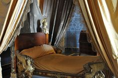 1000 images about sleeping in the castle on pinterest versailles palaces and castle bedroom - Interior designer caserta ...
