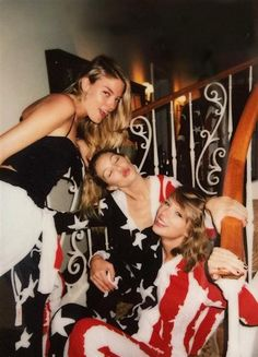 Gigi Hadid, Taylor Swift and Martha Hunt on the 4th of July