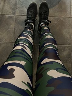 Camo spandex leggings Camo Leggings, Best Leggings, Tight Leggings, Awesome Leggings, Sexy Outfits, Sport Outfits, Camo Gear, Tomboy Fashion, Catsuit