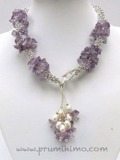 Amethyst, pearls and silver beads Wire Jewelry, Jewelry Crafts, Jewelry Art, Gemstone Jewelry, Beaded Jewelry, Jewelery, Jewelry Necklaces, Jewelry Design, Fashion Jewelry