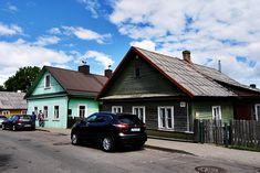 Bunte Holzhäuser in Trakei in Litauen