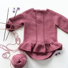 Likes, 81 Kommentarer - Baby Hats Knitting, Knitting For Kids, Baby Knitting Patterns, Knitted Hats, Knitting Ideas, Onesie Dress, Misha And Puff, Skirts For Kids, Girls Sweaters