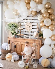 Perfect for Birthday Party, Bridal or Baby Shower, Engagement or Wedding Party and corporate events, this garland can be assembled and placed indoors or outdoors. Baby First Birthday, 1st Birthday Parties, Birthday Party Decorations, White Party Decorations, Bridal Decorations, Gold Birthday Party, Balloon Decorations, Baby Shower Themes, Baby Boy Shower