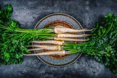 You might already know what a parsnip is, but do you know about all the health and nutrition benefits of this tasty root veggie? Healthy Side Dishes, Side Dishes Easy, Vegetable Side Dishes, What Is A Parsnip, Health And Nutrition, Health And Wellness, Parsnip Puree, Orange Beach, Calories