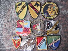 10 DIFF MILITARY PATCHES-LOT 25
