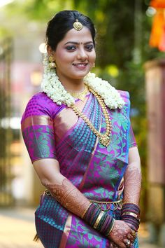 Do you really need to spend thousands just to get that glowing bridal look? Here are a few tips on how you can look gorgeous on a budget. Beauty Full Girl, Beauty Women, Aunty In Saree, Indian Bridal Fashion, Bridal Blouse Designs, Indian Beauty Saree, India Beauty, Indian Girls, Stylish Girl