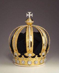 A Coroa Imperial de D. Pedro II, foi elaborada em 1841 por Carlos Marin, ourives estabelecido na Rua do Ouvidor, 139, no Rio de Janeiro, para a sagração e coroação do jovem imperador, então com quinze anos de idade.