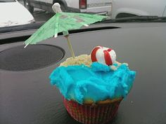 Beach party theme cupcakes!
