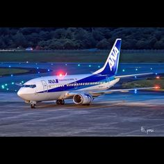 Night Flight - ANA B737 at Kumamoto Airport by @hi_posi