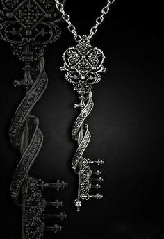 Restyle // Key to Wonderland Pendant Necklace