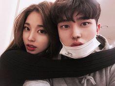 """좋아요 7,065개, 댓글 63개 - Instagram의 Bo Seok(@boseok_e)님: """"보석이 껌딱지"""""""