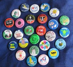 1980s School Library book campaign badges - we'll do anything to get people to read!