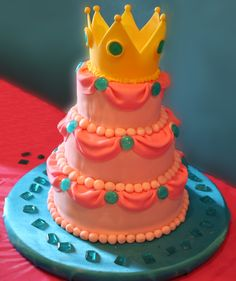 Princess Peach birthday cake !!! Lol I know of a few girls that would like something like this.