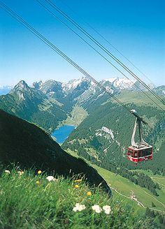 """""""Yes, we did ride this gondola in Zurich!"""" - http://images.v2.reserve123.com/product/7130-1.jpg"""
