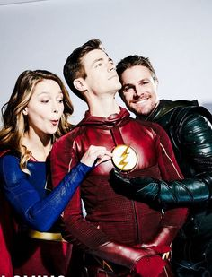 Grant Gustin, Melissa Benoist and Stephen Amell for CW x Chris Wood, Flash E Supergirl, Melissa Supergirl, Superhero Shows, Superhero Memes, Stephen Amell, Flash Characters, Flash Funny, Flash Wallpaper