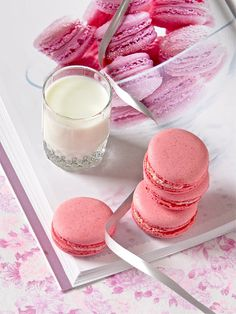 Pretty Pink Raspberry Macarons
