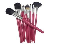 Hot Pink Makeup Brushes Help Set Me Apart - https://twitter.com/boostmybrain/status/563666928288268288