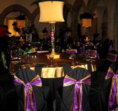 Elegant mardi gras table centerpieces 31 days of weddings-day mardi gra Casino Theme Parties, Casino Party, Party Themes, Party Ideas, Mardi Gras Centerpieces, Table Centerpieces, Table Decorations, Centerpiece Ideas, Mardi Gras Party