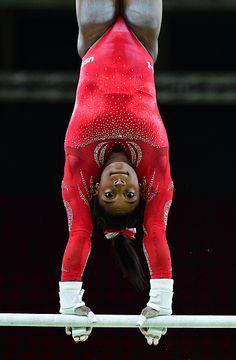Gymnastics Posters, Gymnastics Pictures, Sport Gymnastics, Black Gymnast, Young Gymnast, Amazing Gymnastics, Artistic Gymnastics, Famous Gymnasts, Gymnastics Flexibility