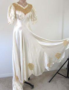 1930s-1940s *CREAM LIQUID SLIPPER SATIN* GLAM Ecru Lace Trim WEDDING DRESS S/M via eBay