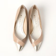 Pretty Shoes, Beautiful Shoes, Cute Shoes, Me Too Shoes, Loafer Shoes, Shoes Sandals, Zapatos Shoes, Gold Shoes, Pointed Toe Flats