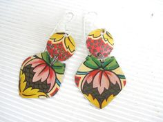 Vintage Tin Pink Dangle Earrings Yellow and by eaststreettins, $26.00