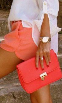 Summery white shirt style. LOVE!