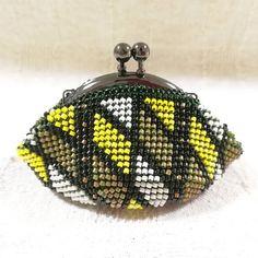 WEBSTA: #ビーズがま口#ビーズ編み#ビーズ編みがま口#crochet#beads #beadscrochet #beadcrochet #がま口#がま口財布 #Huaweimate9#mate9#ワイドアパーチャ #ハンドメイド#handcrafted