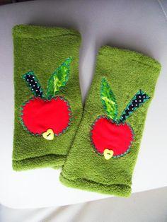 Apfel+Stulpen+Armstulpen+Handschuhe+Applikation+von+Zellmann+Fashion+auf+DaWanda.com