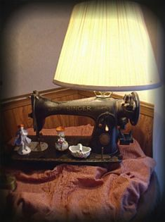 Lamp from repurposed vintage Old sewing machine; upcycle, recycle, salvage, diy…