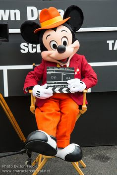 May 2013 - Roger Rabbit's Toontown Dream Disneyland, Paris Mickey Mouse Pictures, Mickey Mouse Art, Mickey Mouse And Friends, Disney Pictures, Minnie Mouse, Disney Love, Disney Magic, Walt Disney, Costume Ideas
