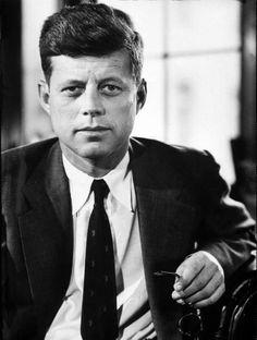 John F. Kennedy (au moins 2 photos dans cette série)