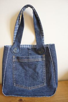 Bag of recycled jeans. Denim bag over the shoulder. Hobo bag with lining. Vegan bag of jeans.Tote bag denim Perfect denim tote bag for daily use, made of recycled denim.Denim gift bag by touchofdenim on etsy – ArtofitUpcycling Bag from Old Denim - Salva Denim Tote Bags, Denim Handbags, Denim Purse, Jean Diy, Sewing Jeans, Diy Sac, Denim Crafts, Upcycled Crafts, Denim Shoulder Bags