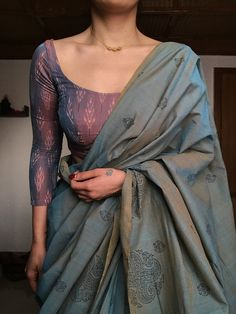 Dress Indian Style, Indian Fashion Dresses, Indian Designer Outfits, Indian Outfits, Trendy Sarees, Stylish Sarees, Sari Blouse Designs, Stylish Blouse Design, Saree Trends