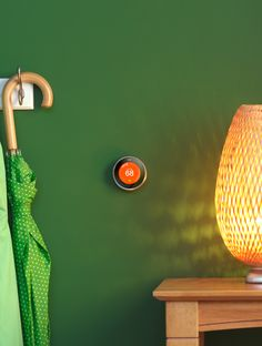Control on your way home from work, or the seat of your couch. Meet the Nest Learning Thermostat.