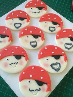 Pirate cupcake toppers available from Danielle's Homemade Cakes #cupcake #pirate #danielleshomemadecakes #party #birthday #boyscajke #pirateparty