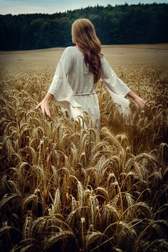 ANGELIQUE'S CELESTIAL WORLD, VIRGO Lughnasadh, the Ancient Gaelic harvest festival is held on August 1, about half way between the summer solstice and the Autumn equinox. It corresponds with Lammas in England. It is named for the old #Celtic God, Lugh, and has pagan roots in Ireland and Scotland.