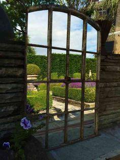 idée de décoration extérieure et miroir de jardin