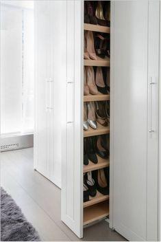 19 Wonderful Walk-In Closets - Walk In Closet Designs and Ideas - Home Design Walk In Closet Design, Bedroom Closet Design, Closet Designs, Bedroom Tv, Basement Designs, Walking Closet, Walk In Robe, Walk In Wardrobe, Home Design