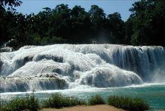 Cascada agua blanca Tabasco.