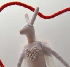 Heart Angel Rabbit par lizarendina sur Etsy, $50,00