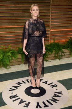 At the legendary Vanity Fair's #Oscar Party, #DianeKruger sparkled wearing a #Joaillerie 101 Art Deco, embodying absolute exclusivity and elegance.