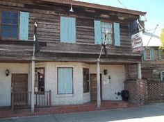 The Pirates' House c. 1754 Now a restaurant was originally a seaman's tavern in the days of Pirates. Savannah, Georgia