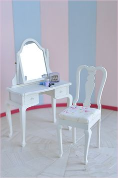 New Dressing Table SET by Happy*Blue, via Flickr 1:6 scale