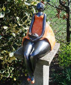 beeld Sculptures Céramiques, Sculpture Art, Garden Sculpture, Sculpting Tutorials, Pottery Designs, Fat Women, Statue, Ball Jointed Dolls, Ceramic Art