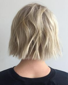66 Chic Short Bob Hairstyles & Haircuts for Women in 2019 - Hairstyles Trends Choppy Bob Haircuts, Blonde Bob Hairstyles, Hairstyles Haircuts, Short Hair Blond, Short Hair Cuts, Bobs Blondes, Textured Haircut, Textured Bob, Blonder Bob